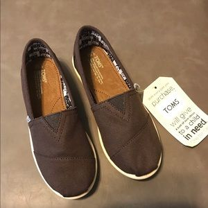 Youth Classic TOMS